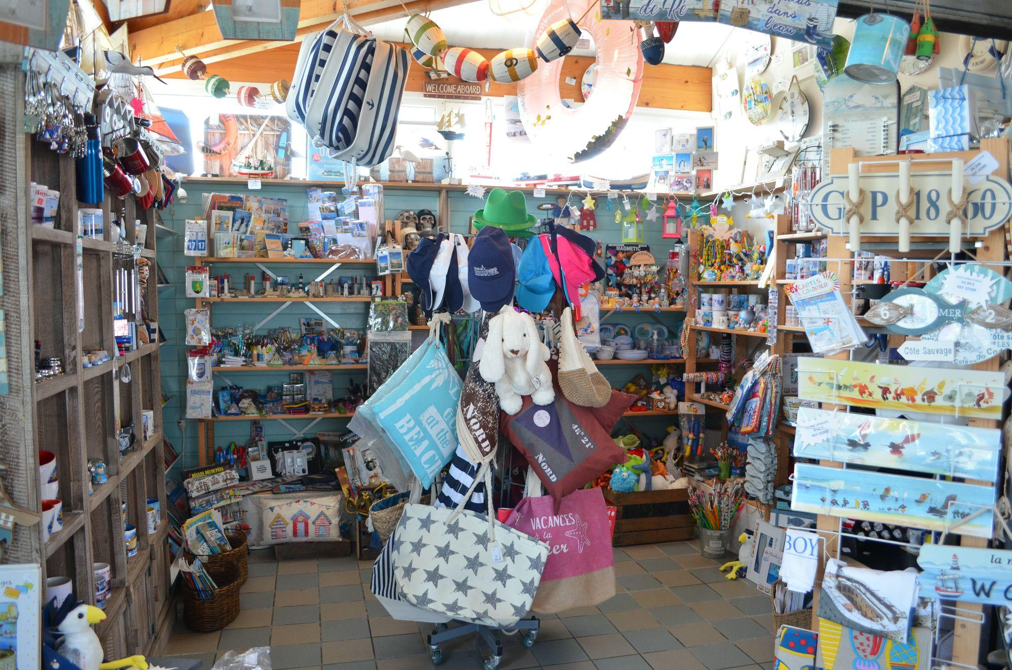 Shop and information center - Service maritime Ile d'Aix : cruises between Fouras and Aix Island
